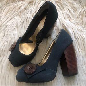 ZINC | Peep-Toe Wooden Heel